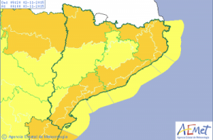Monday's map of Catalunya from AEMET showing weather warnings for heavy rain and high winds